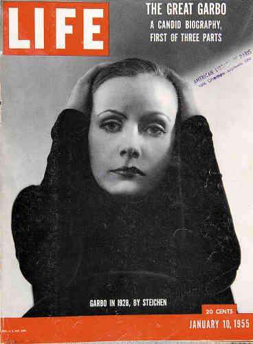 1955. Greta Garbo, récompensée cette année-là d'un Oscar pour l'ensemble de sa carrière, immortalisée dans les années 1930 par Edward Steichen.