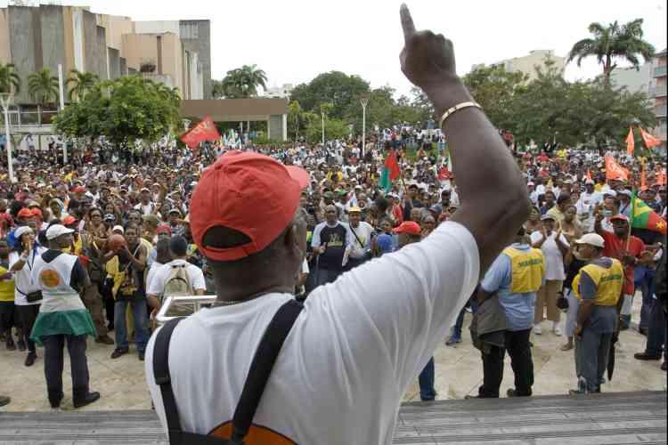 Le mouvement de contestation contre la vie chère a gagné la Martinique, après la Guadeloupe.