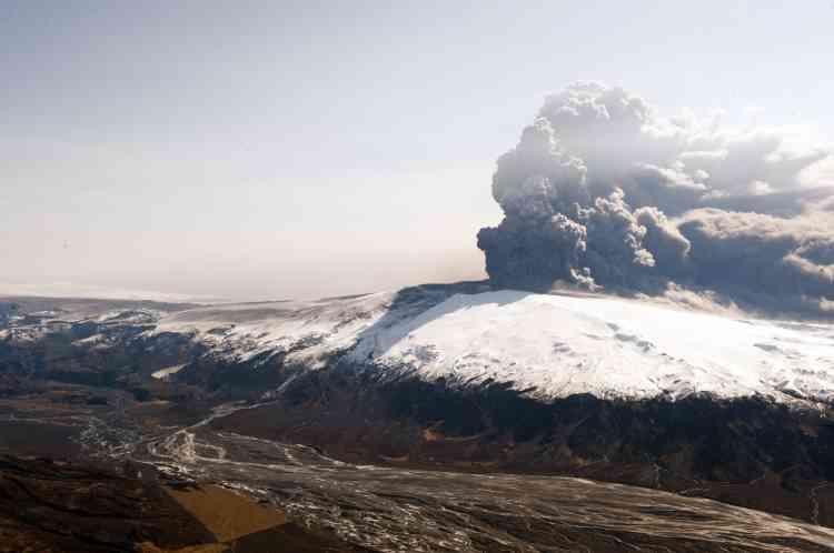 Eruption du volcan Eyjafjöll, le 17 avril 2010, en Islande.