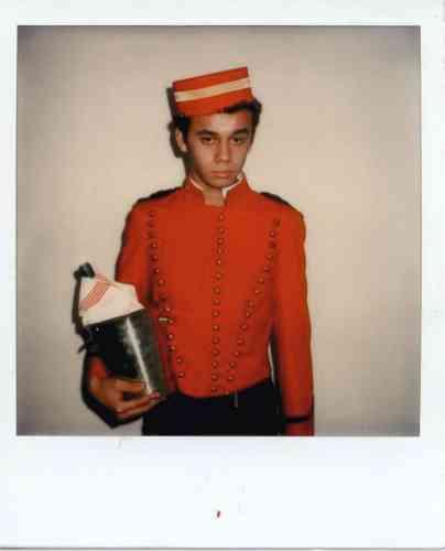 Christian Louboutin avant la gloire, dans les années 1970. Du rouge, déjà...