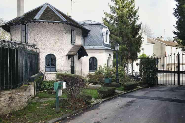 En bas : la maison de la gardienne du parc privé, qui n'hésite pas à renvoyer les importuns. Photo:Paolo Verzone pour M Le magazine du Monde