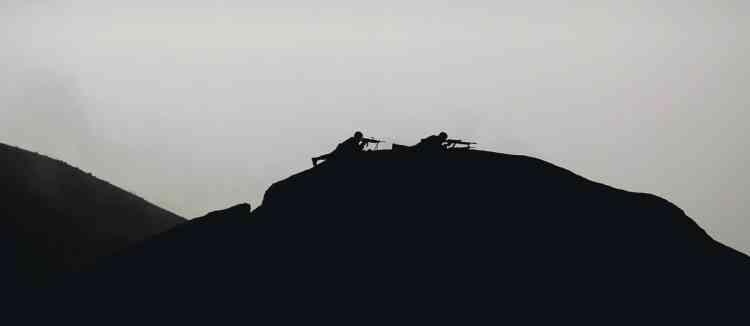 Kevin Frayer/AP           Juillet 2010WikiLeaks met en ligne 77 000 documents secrets de l'armée américaine en Afghanistan.Août 2010Assange arrive en Suède pour s'y installer. Il est accusé de viol et d'agressions sexuelles par deux femmes de  son entourage.
