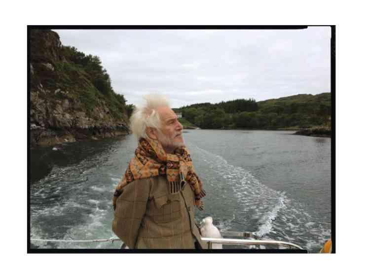 """7- """"L'été dernier, j'étais invité en Ecosse par la duchesse de Westminster. Le nord-ouest du pays m'a fait penser aux paysages de L'Ile noire de Tintin. Comme des  fjords norvégiens. Lors de cette promenade  en bateau, des collines de bruyère nous entouraient. C'était d'une beauté inouïe."""" -"""