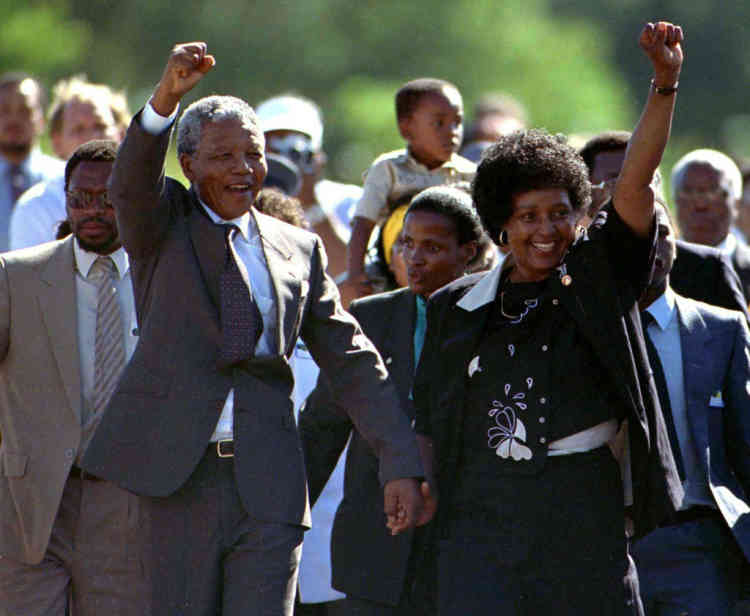 FILE PHOTO 11FEB90 - TO MATCH FEATURE BC-PEOPLE-SAFRICA-MANDELA