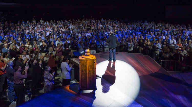 En février 2013, le chercheur Sugata Mitra, de l'université britannique de Newcastle, reçoit 1 millions de dollars de la fondation TED afin de poursuivre ses travaux sur le futur de l'éducation.