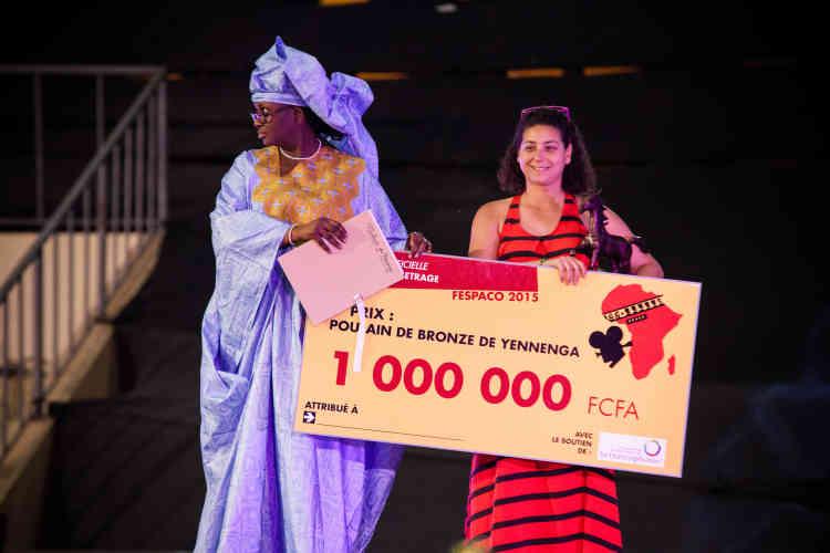 La réalisatrice tunisienne Leila Bouzid reçoit le «Poulain de bronze» pour son court-métrage «Zakaria», ainsi qu'un million de francs CFA (l'équivalent de 1 500 euros). La réalisatrice avait reçu la veille le prix «Thomas Sankara» de la Guilde africaine des réalisateurs et producteurs.