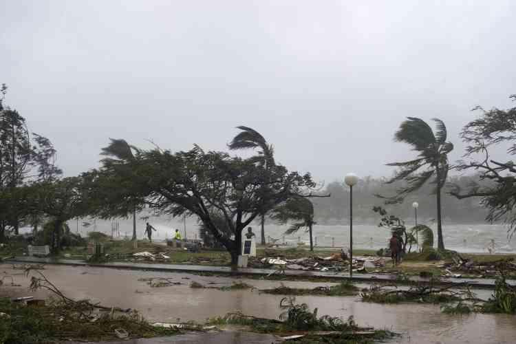 « Quinze ou trente minutes de terreur absolue. » C'est ainsi qu'Alice Clements, porte-parole de l'Unicef, a décrit le passage de Pam sur l'archipel du Vanuatu, dans la nuit du vendredi 13 mars.
