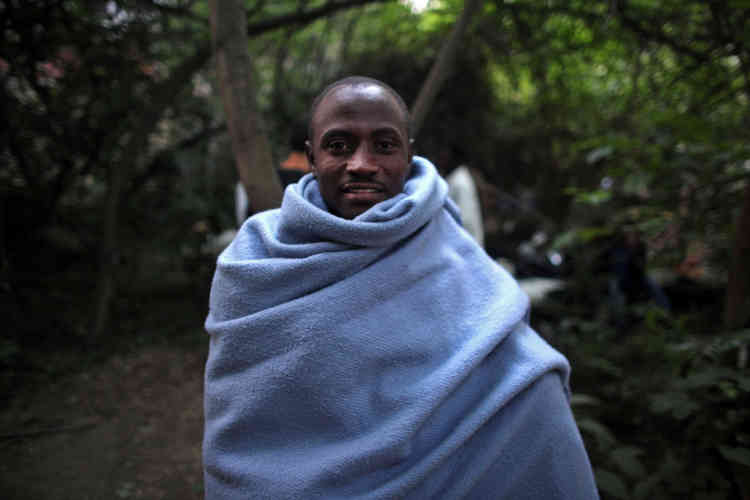Abdullah, originaire du Soudan. « En début de soirée, il disait commencer à avoir froid», raconte le photographe Rafael Yaghobzadeh.