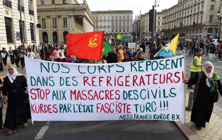 Une manifestation a également eu lieu à Bordeaux. Des défilés ont aussi parcouru les rues de Marseille et de Strasbourg.