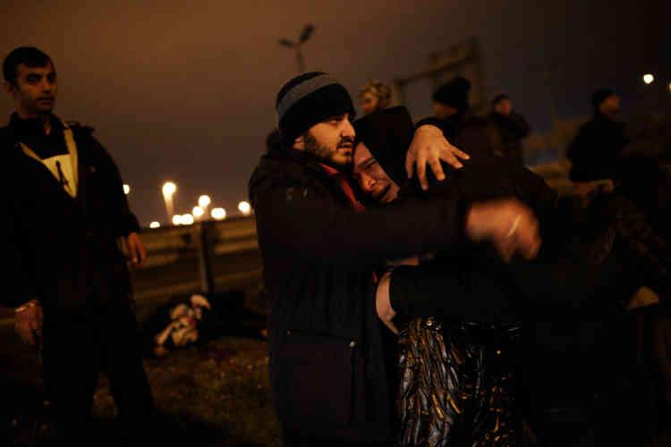 L'homme qui pleure s'appelle Oussama. C'est le beau-frère de la victime.
