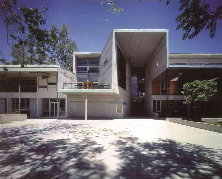 Ecole de mathématiques, université catholique du Chili, Santiago.