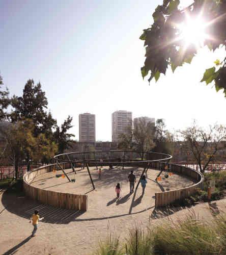 Jardin du Bicentennaire, à Santiago. L'installation fait partie du projet