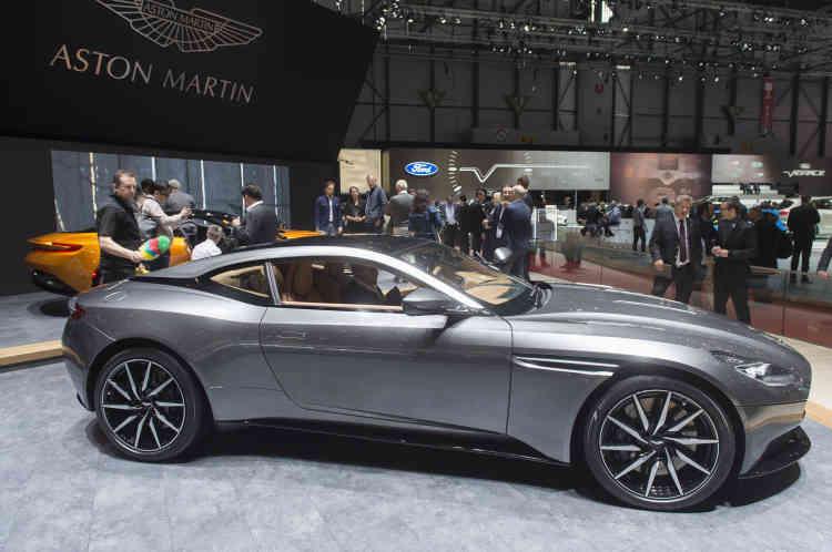Avec la DB11, Aston Martin offre un successeur à la DB9, treize ans après la sortie de cette dernière.