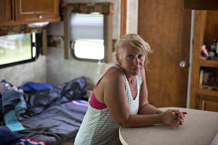 Laura Deep a pu garer sa caravane au camping du parc Winston-Churchill. « Ce qui compte, ce ne sont pas les choses matérielles, mais la famille, les amis, les voisins. Tout le monde est en vie, c'est le principal. »