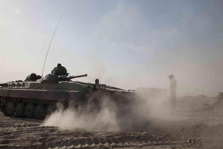 Depuis le début de l'offensive, huit civils et trois combattants auraient été tués, selon l'AFP.