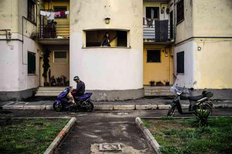 Latina avec ses 120 000 habitants est aujourd'hui une cité-dortoir et de transit.