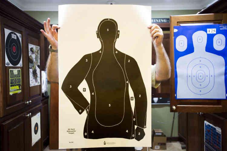 Une cible en vente au centre de tir de Port Sainte-Lucie. «Une version en orange et bleu existent également», souligne l'un des employés.