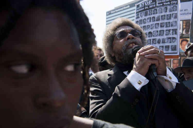 Lors d'un rassemblement anti-Trump, à Cleveland le 19 juillet, le philosopheDr. Cornell West s'est adressé à la foule.