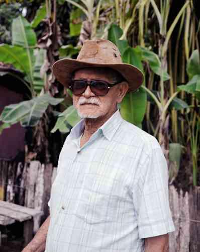 En août 2016, David Luraschi illustrait l'article de «M Le magazine du Monde»consacré àTrancoso, un village brésilien situé dans l'Etat de Bahia. IciJoão De Antidio, 92 ans, le doyen du village.