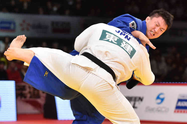 Il en est persuadé : « Seul le Japon peut sortir un athlète capable de battre Riner. Et j'espère bien être celui qui va le détrôner. » Pour le Japonais Hisayoshi Harasawa, double vainqueur du Tournoi de Paris en 2015 et 2016, l'objectif est clair. Mais il aura bien du mal à se défaire de la garde envahissante et de l'allonge du Français contre lequel il n'a jamais combattu.