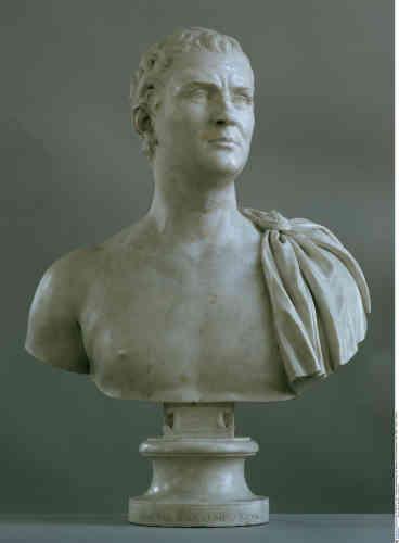 Avec ce portrait du collectionneur, Philipp von Stosch, en toge, à la romaine, Bouchardon lancera, au XVIIIe siècle, la mode des bustes à l'antique.