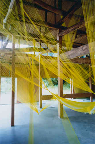 Sur l'île d'Inujima, les galeries installées par l'architecte Kazuyo Sejima accueillent des expositions dans le cadre du Inujima « Art House Project ». Ici, «Ether» (2015) de Chinatsu Shimodaira, dans la C Art House.