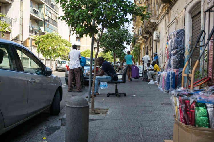 Une rue de la communauté africaine dans le quartier de SanBerillo Vecchia.