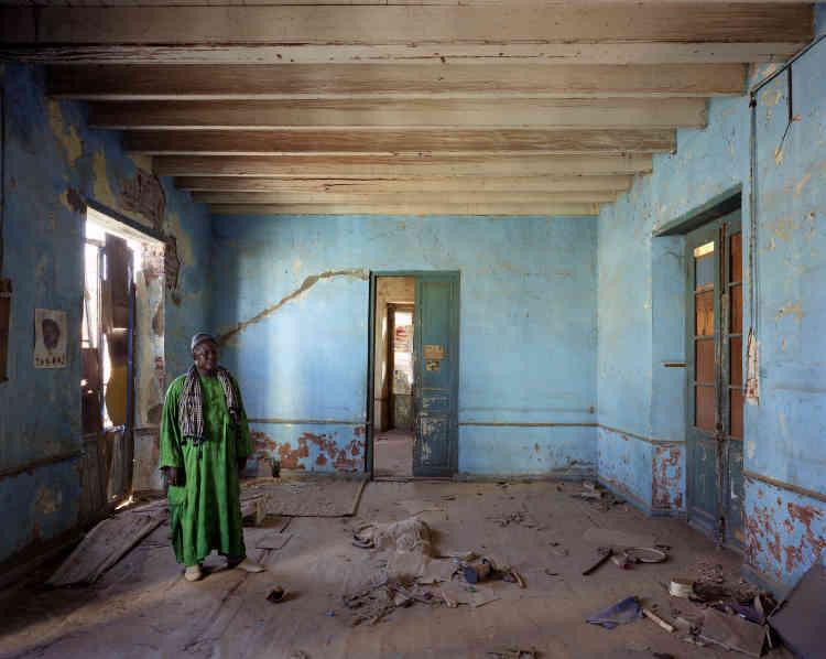 «De nombreuses maisons paraissent à l'abandon mais ne le sont pas. C'est en réalité une pièce inoccupée ou un étage. L'inscription de l'île sur la liste du patrimoine mondial de l'Unesco rend paradoxalement l'entretien des maisons difficile. »