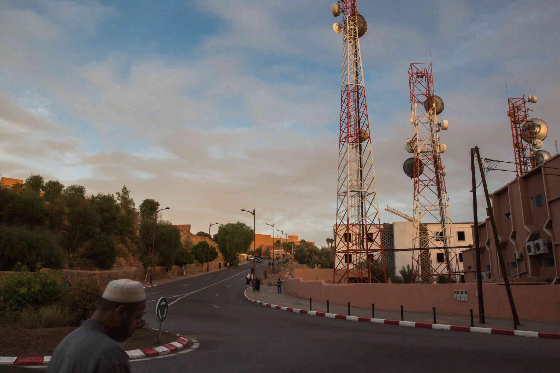 A Ouarzazate Le Grand Chantier Solaire Du Maroc