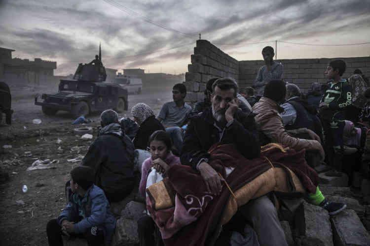 Les habitants de Gogjali, Saddam et Samah (trois quartiers de l'est de Mossoul) sont appelés à quitter leur domicile, pour éviter les combats en cours.