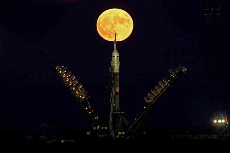 En arrière-plan de la fusée Soyouz MS-03 à Baïkonour, au Kazakhstan. Soyouz doit décoller jeudi 17 novembre pour la Station spatiale internationale.