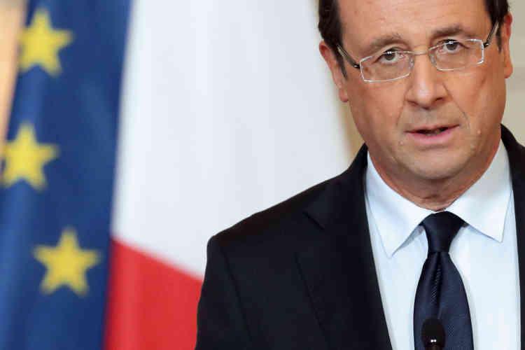 Le 11 janvier 2013. Le président français fait une déclaration sur la situation au Mali et annonce l'intervention des troupes françaises aux cotés des forces gouvernementales, depuis le palais de l'Elysée.