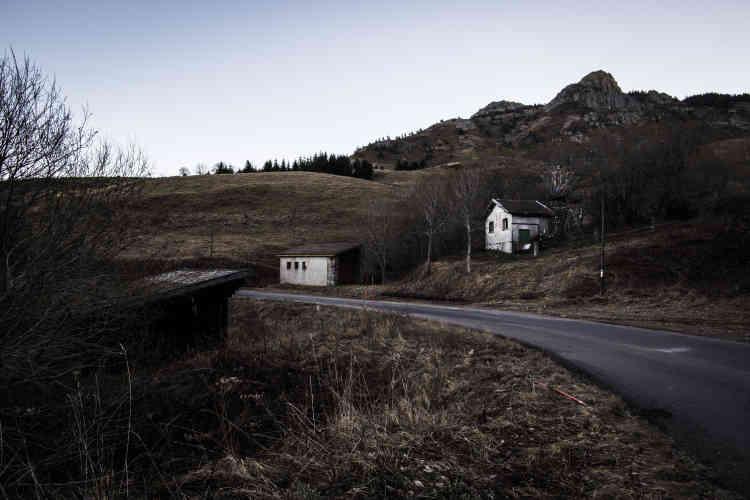 Les installations à l'abandon du téléski du Cuzet.