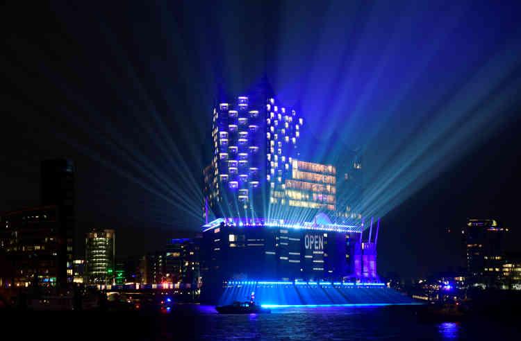 L'Allemagne a inauguré le 11 janvier la spectaculaire Philharmonie de l'Elbe à Hambourg.