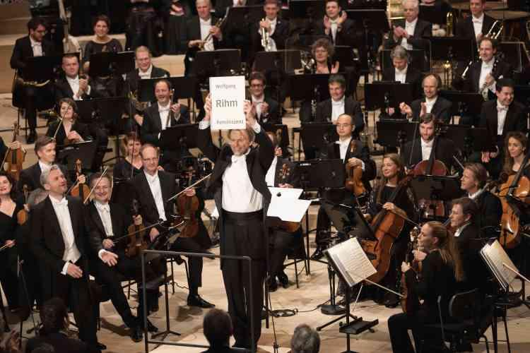 La Philharmonie a pour ambition de s'inscrire dans la longue tradition musicale de la cité hanséatique, ville natale de Johannes Brahms et Félix Mendelssohn, qui accueillera bientôt les meilleurs orchestres mondiaux.