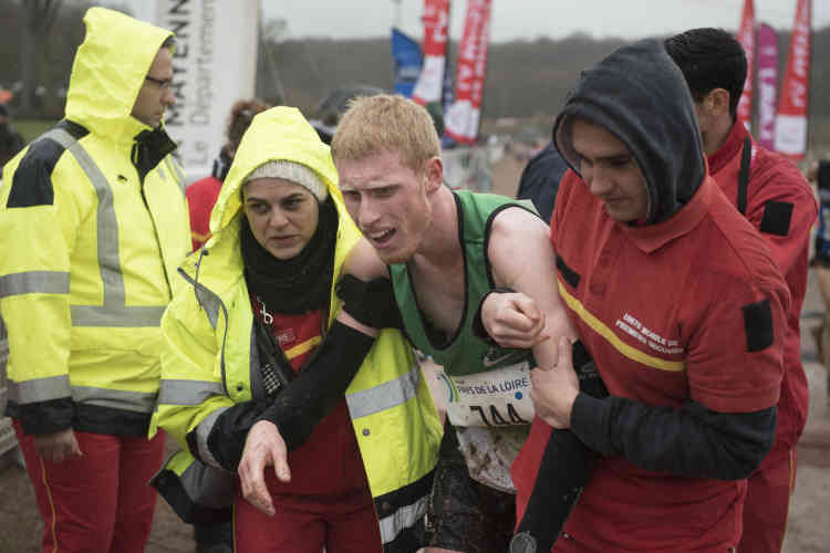Les secouristes sont mis à rude épreuve à l'arrivée de chaque course. Nombreux sont les athlètes qui terminent la course proche de l'évanouissement.
