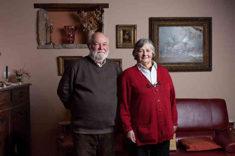 Henri Hoarau, et son épouse Mariane Hoarau, paroissiens engagés dans la préparation de l'installation de la famille soudanaise. Ils habitent à Toy-Viam, à 6km de Bugeat, depuis leur retraite, il y a six ans.