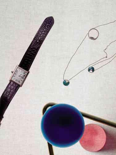 Montre collection Tank solo en acier, or rose, bracelet en alligator, mouvementà quartz ; Collier, bague et bracelet collection Amulette (petit modèle) en or rose, malachite et diamant, Cartier.