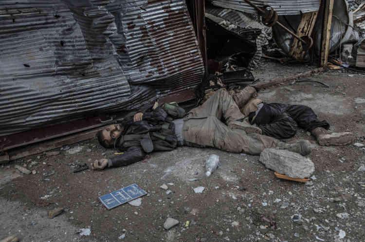 Deux combattants de l'EI abattus alors qu'ils tentaient de s'infiltrer dans les positions des frorces irakiennes.