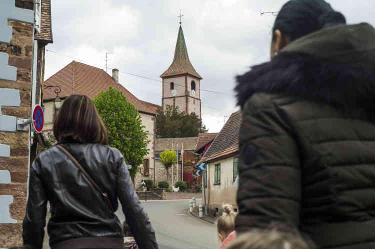 Les deux villages partagent les mêmes locaux scolaires : la maternelle et le CP sont dans le premier, le reste des classes dans le second.