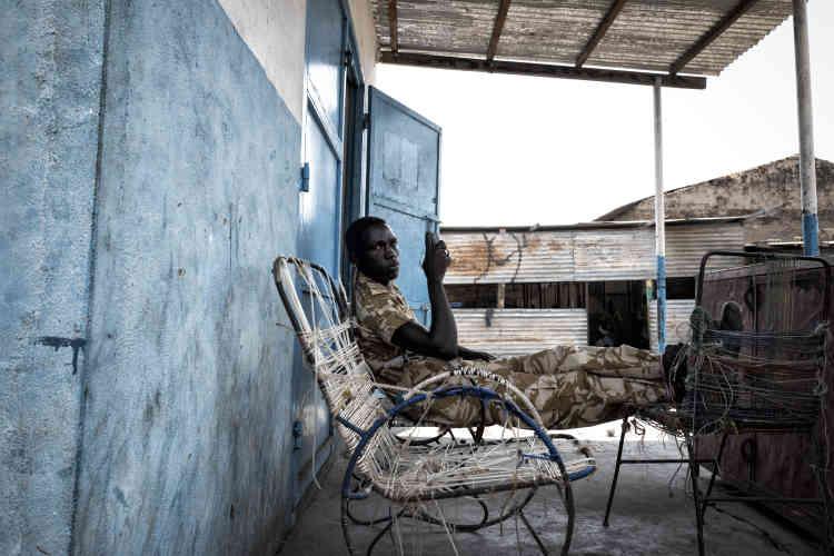 Soldat de l'armée sud-soudanaise (APLS) en garnison à Malakal.