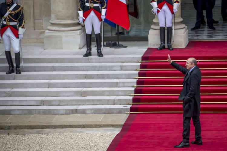 Gerard Collomb, sénateur et maire de Lyon et proche d'Emmanuel Macron, à son arrivée à l'Elysée, dimanche 14 mai.