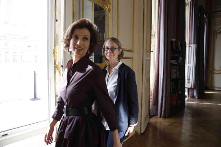 Lors de la passation de pouvoir entre Audrey Azoulay et Françoise Nyssen, au ministère de la culture, le 17 mai