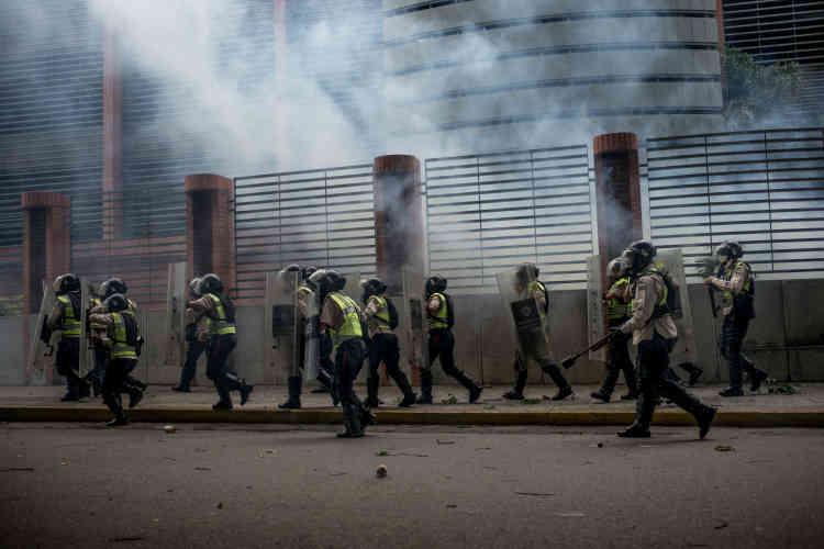 La garde nationale vénézuélienne pendant les affrontements.