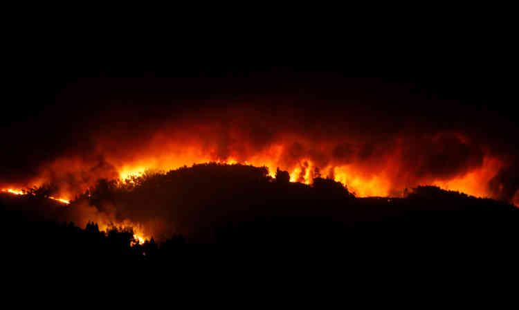 Selon les autorités, plus d'une cinquantaine de personnes ont été blessées, dont au moins six pompiers. Plusieurs de ces blessés sont dans un état grave.