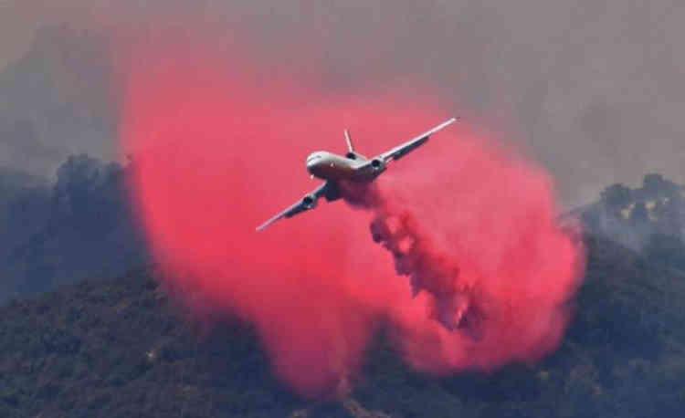Plus de 5500 pompiers combattaient lundi matin jusqu'à quatorze incendies du nord au sud de la Californie, avec l'aide d'hélicoptères bombardiers d'eau. Trois de ces incendies sont désormais considérés comme «contenus».