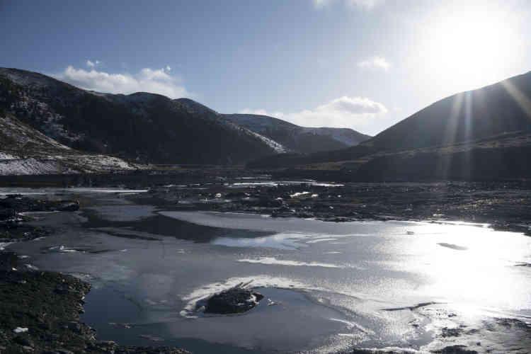 Un affluent de la rivière Liqi, polluée en 2013 et 2016 par la mine Rongda, qui a déversé des déchets toxiques.