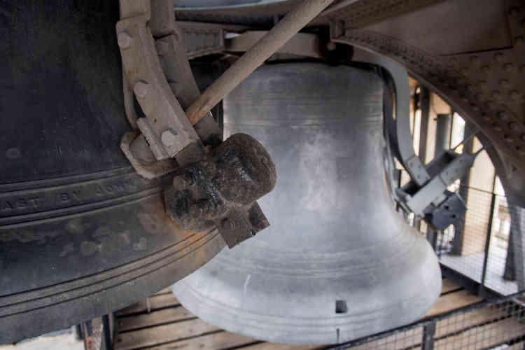 Les responsables de la rénovation estiment que le bruit des cloches, mesuré à 118 décibels, représente un «risque sérieux» pour l'audition des ouvriers du chantier.