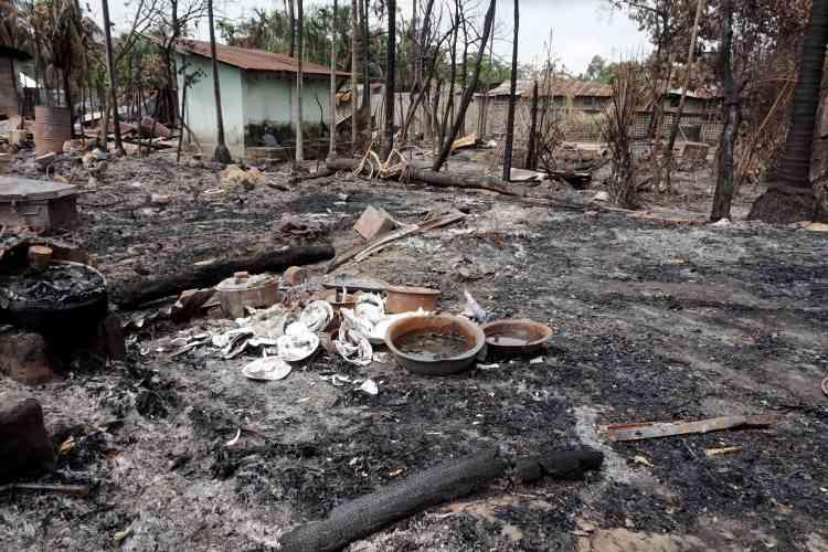 Le village musulman de Myo Thu Gyi, dans l'Arakan, en Birmanie, après le passage des forces de l'ordre birmanes.