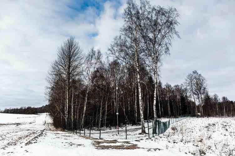 Trois pays, la Russie, la Pologne et la Lituanie, se rejoignent à ce point précis. La Pologne et la Lituanie s'inquiètent depuis que la Russie a annoncé avoir déployé des missiles Iskander à capacité nucléaire à Kaliningrad.
